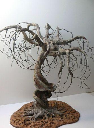 arbre en papier mâché