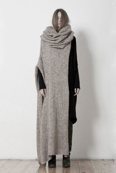 Contemporary Knitwear Design with black & taupe layers for a bold contrast // Uma Wang