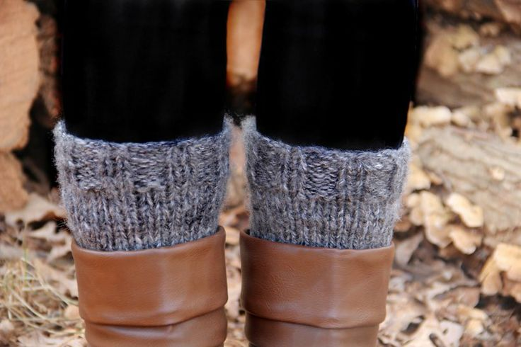Easy knitting pattern for boot cuffs!