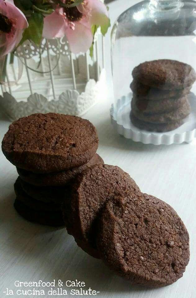 Biscotti al #cioccolato e #fleurdesel http://blog.giallozafferano.it/greenfoodandcake/biscotti-al-cioccolato-e-fleur-de-sel/