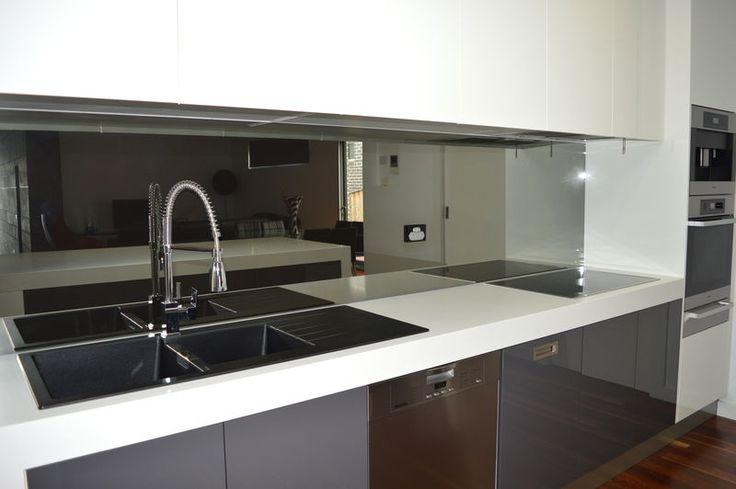 die besten 25 glass splashbacks ideen auf pinterest. Black Bedroom Furniture Sets. Home Design Ideas