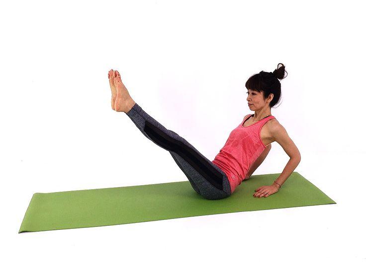 年齢を重ねてつくのは、腰やお腹のムダ肉ですが、この部位を引き締める簡単なエクササイズをご紹介します。