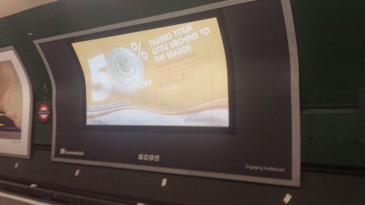 interactieve reclame borden bij de metro