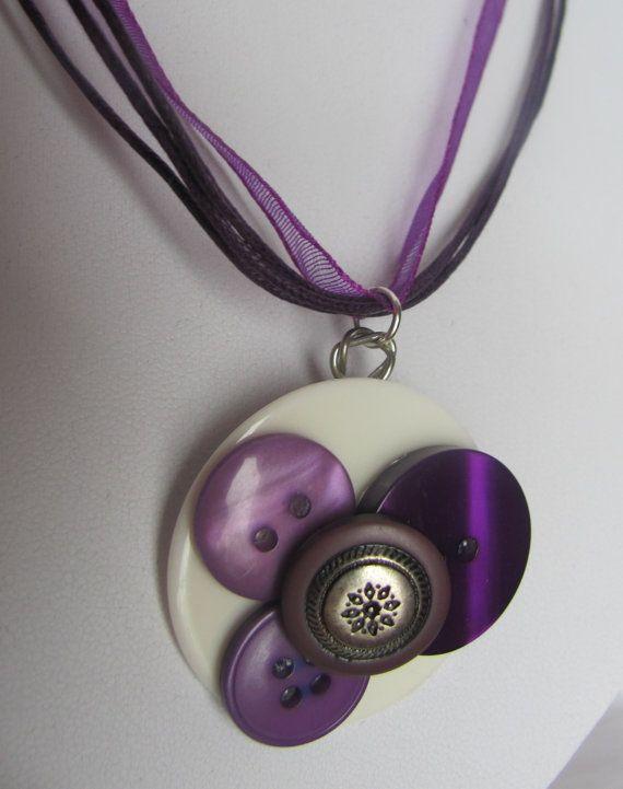Collier de boutons fait à la main Handmade buttons necklace