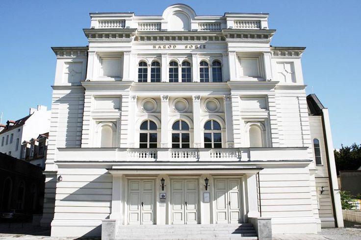 Marcin Kowalski - Absolwent UEP nowym dyrektorem Teatru Polskiego.