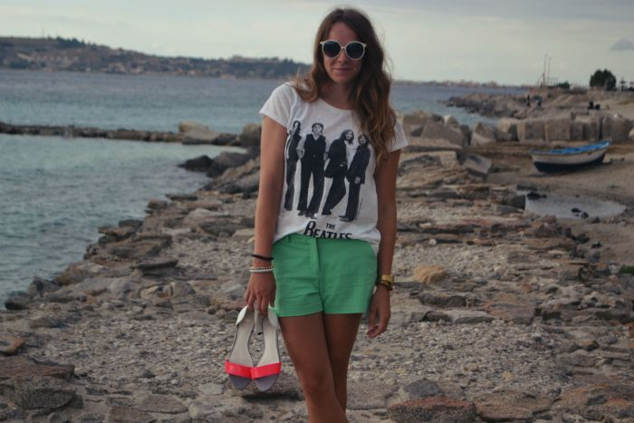 New #outfit post on the blog :) http://ejnets.blogspot.it/ #ootd #style #ejnet #zara #italy #calabria #summerinitaly #summer #beach #thebeatles #everydayshouldbeaholiday #hm #blogger #fashionblogger
