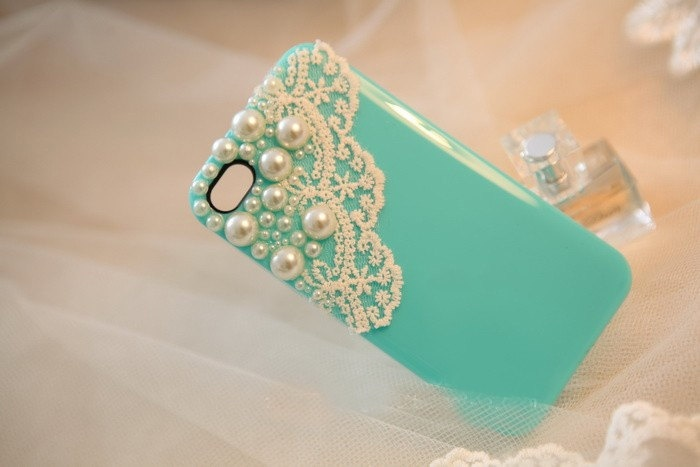 The Pearl Lace shell iphone 4 iphone 4s case. $17.00, via Etsy.
