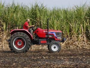 Mahindra Arjun Novo 605 DI-PS Tractor Review Page - 1 ZigWheels.com
