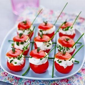 tomates cocktail farcies au fromage frais et aux herbes