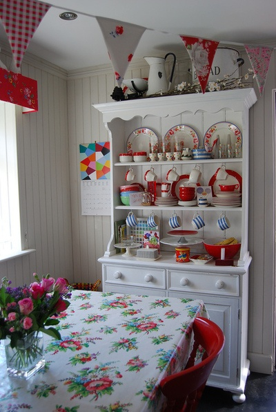 red and white vintage kitchen