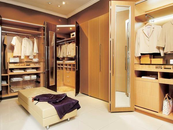 Wow,It's Very Nice -  http://www.ideaonline.co.id/iDEA2013/Interior/Furnitur/Tata-Barang-Barang-Pribadi-Anda-di-Gudang-Mini-ini!