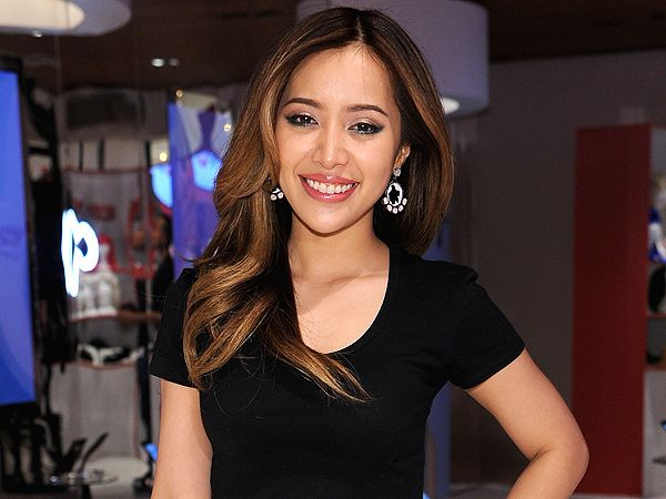 Michelle Phan Shares Her Secrets to Success, Plus Why She Doesn't Follow Celebs on Social Media http://stylenews.peoplestylewatch.com/2015/05/06/michelle-phan-icon-video-exclusive/