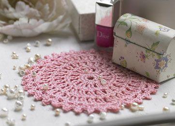 Rosa rund serviet - Hækling - Håndarbejde og strikkeopskrifter - Familie Journal