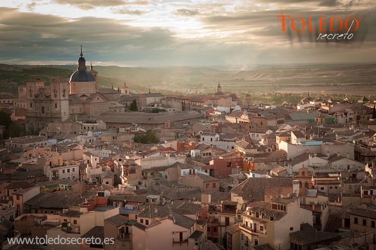 Siete rutas o visitas guiadas que no te debes perder en #Toledo este verano:  http://www.leyendasdetoledo.com/index.php/rutas/7-rutas-que-no-te-puedes-perder.html