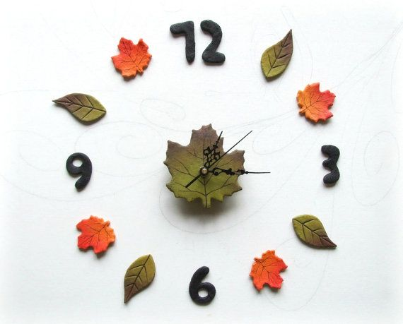 Wall stickers clock Green leaf wall decor Original wall decoration by Sognoametista #italiasmartteam #etsy #homedecor