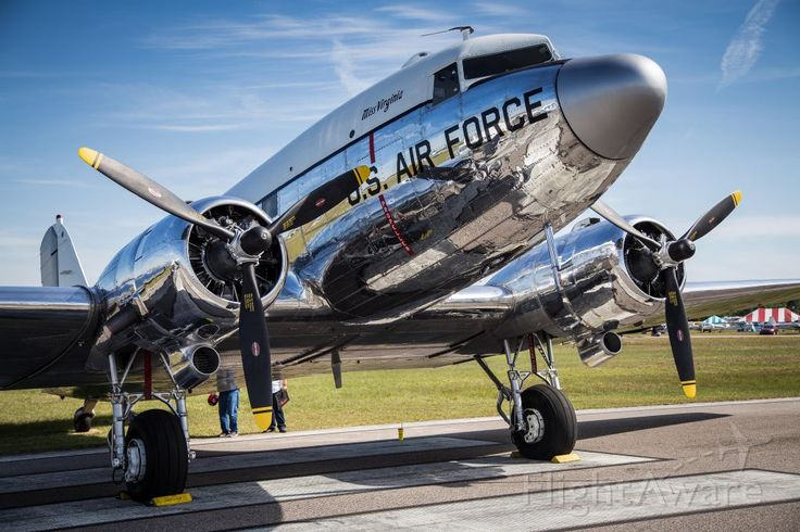 Photo of Douglas DC-3 ✈ FlightAware
