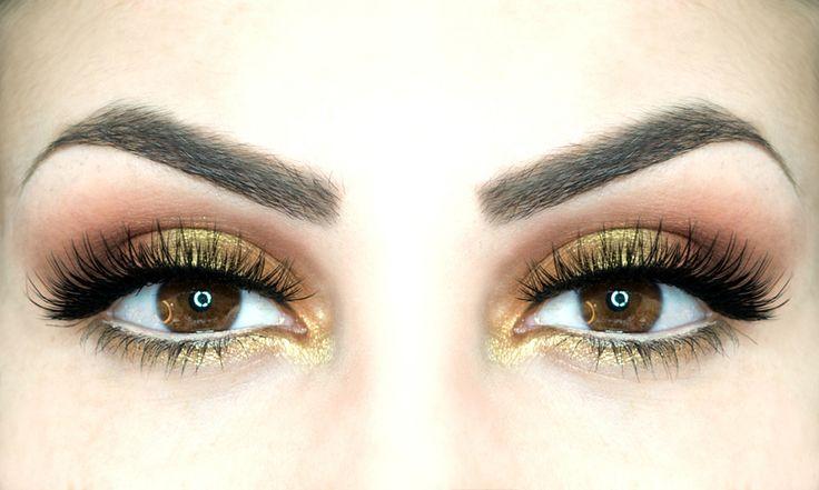 Trucco per occhi stanchi: come si fa - https://www.beautydea.it/trucco-occhi-stanchi/ - Tutorial di un make up caldo e luminoso sui toni dell'arancio e dell'oro per contrastare gli occhi stanchi e la pelle spenta.