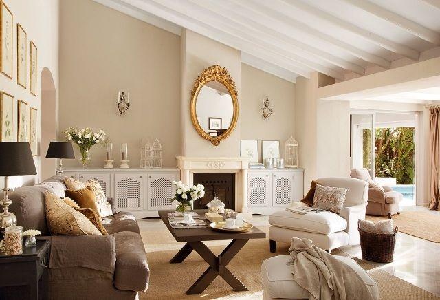 ideen wohnzimmer landhausstil dachschräge creme wandfarbe barock