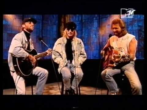 RIP Robin Gibb, as you join your brother Andy and your twin brother Maurice in Heaven. (Bee Gees - I've Gotta Get a Message To You--live MTV Most Wanted 1993)
