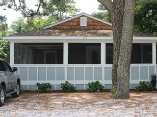 Quality Cottage! 1 Block to Ocean! Clean and Comfortable!