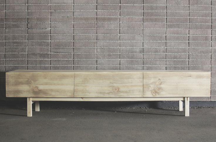 Jorge Reyes Zepeda Diseño y fabricación de mobiliario Hecho a mano