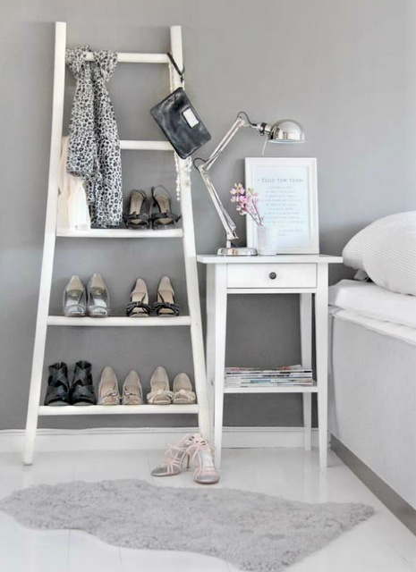 Shoes and accessories storage ladder for in the bedroom