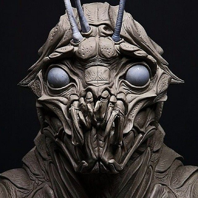Another Prawn sculpt by the brilliant  #WETA Workshop...Hopefully Christopher and his son made it home so they can finally give us a District 10 ! #prawn #fookinprawn #alien #chappie #creature #District9 #scifi #film #District10 #sharltocopley #sfx