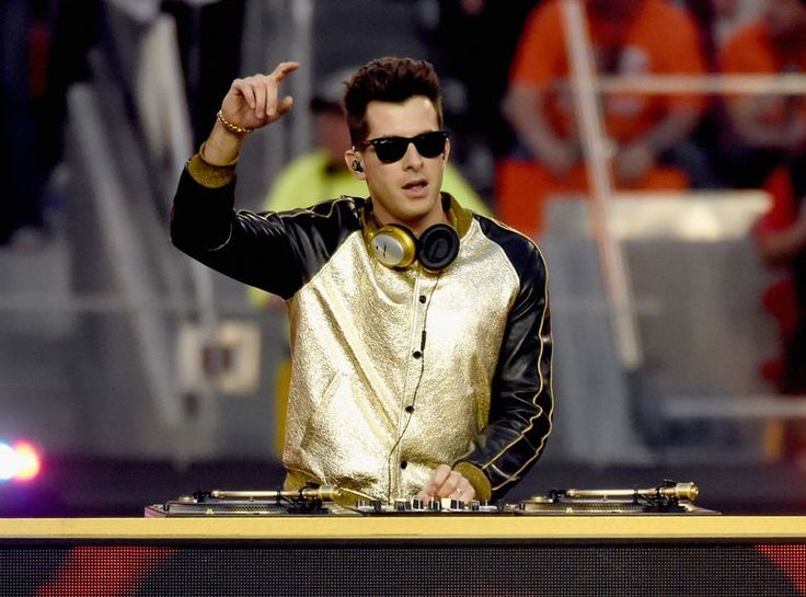 superbowl 2016 halftime performers mark ronson | Super Bowl 2016 Music With Coldplay, Lady Gaga and More