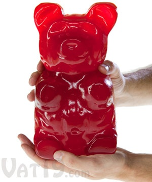 The Worlds Largest Gummy Bear: A 5 pound gummi bear!  OMG I WANT THIS!!!!!