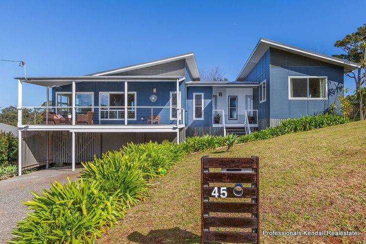 Instructions are ....... Sell...! 45 Paradise Drive, Eagle Heights If you enjoy coastal views, I'd have a look at this home... http://bit.ly/1JN8oer #TamborineMountain