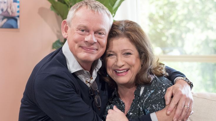 Martin Clunes and Caroline Quentin are reunited