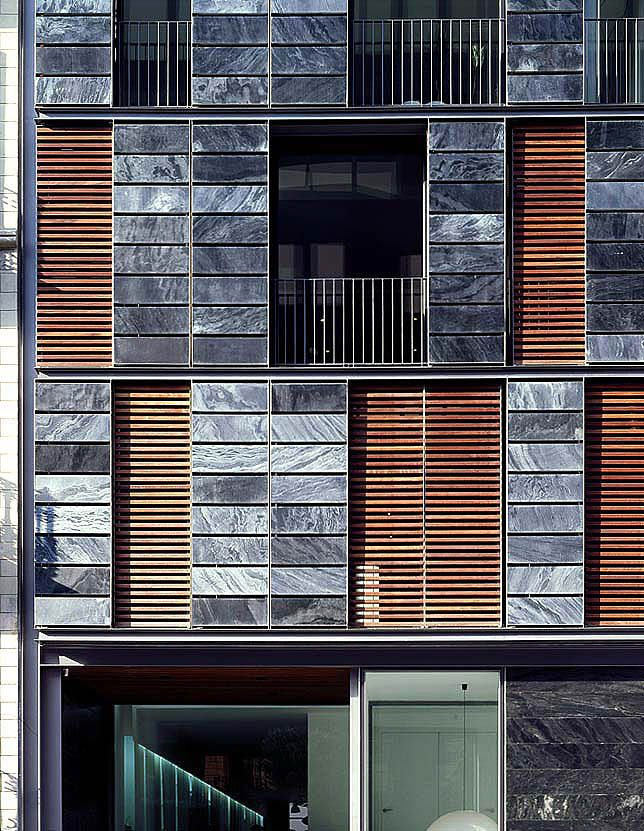 Carlos Ferrater - Office and Apartment building, Barcelona 2002