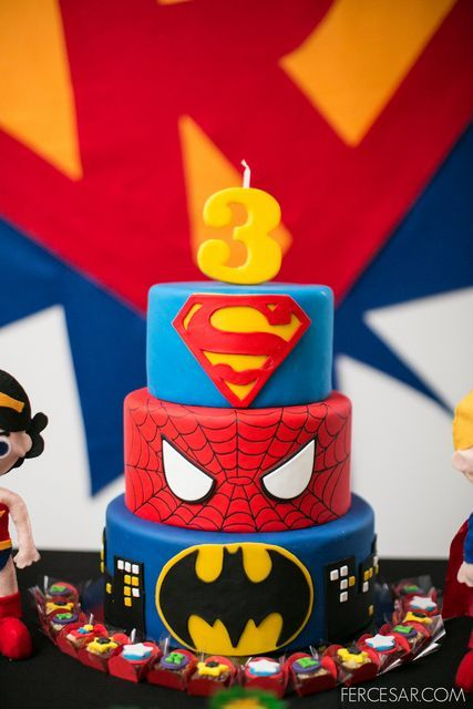 For my honey.. only he's not turning three this year… hee hee..Cake at a Superhero Party #superhero #partycake