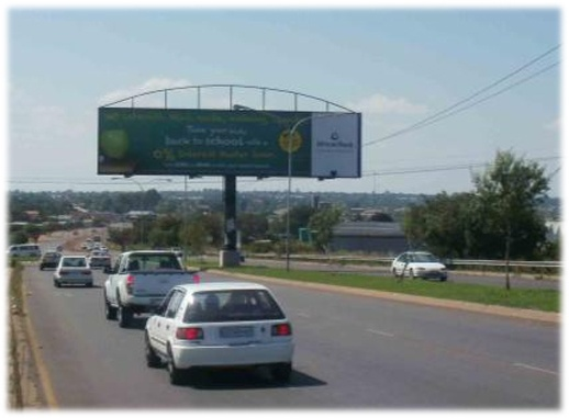 Soshanguve, PTA, Gauteng.    Facing traffic travelling south-east along Commissioner Str (M39) from Winterveldt towards the R80 (John Vorster Dr) which connects Soshanguve with the CBD