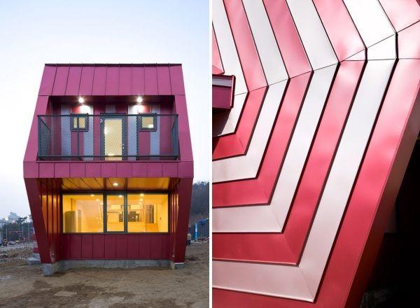 Частный дом в Южной Корее.  Фасад здания состоит из металлических панелей белого и розового цвета. Форма и окраска дома очень напоминают огромную полосатую конфету.  Несмотря на то, что дом действительно получился необычным, он построен по самым современным технологиям. Это касается внешней и внутренней отделки, оформления дверей, окон. Важный элемент постройки - звукоизоляционные панели.