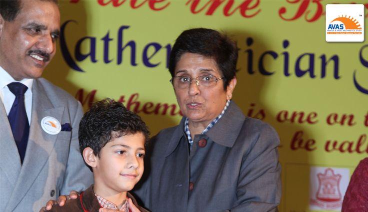 Dr Kiran Bedi showering blessing to National Winner
