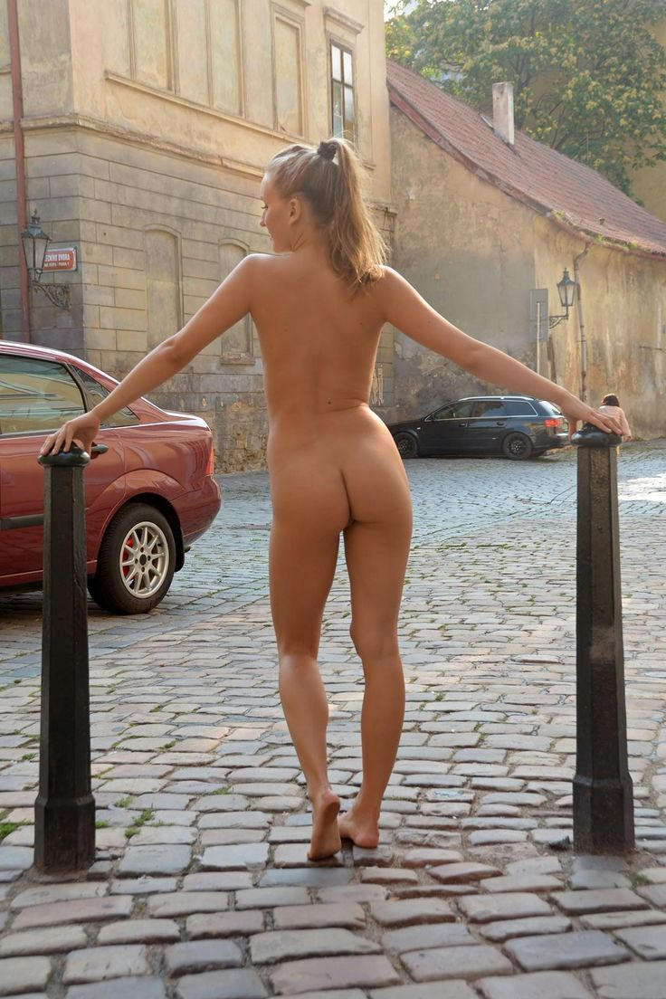 Thought differently, paris of the naked in public