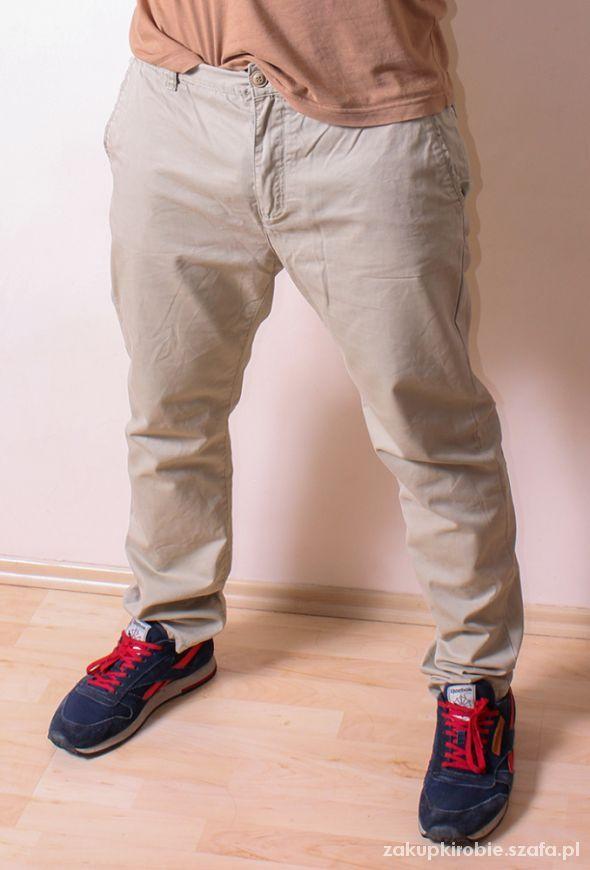 Jasne spodnie męskie Pull&Bear   Cena: 25,00 zł  #pullbear #jasnespodnie #spodniemeskie #spodniepullbear