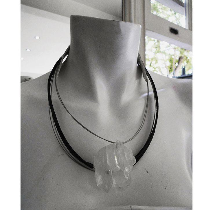 Collar Sol Cuero// cuarzo leather accessories  necklace  https://www.facebook.com/as.strifezza instagram.com/a.s.accessories.a.s