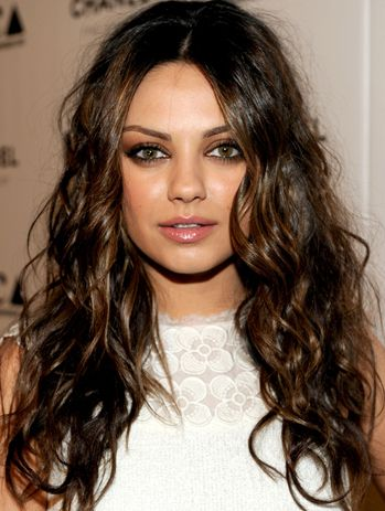 Mila Kunis. Love this color.