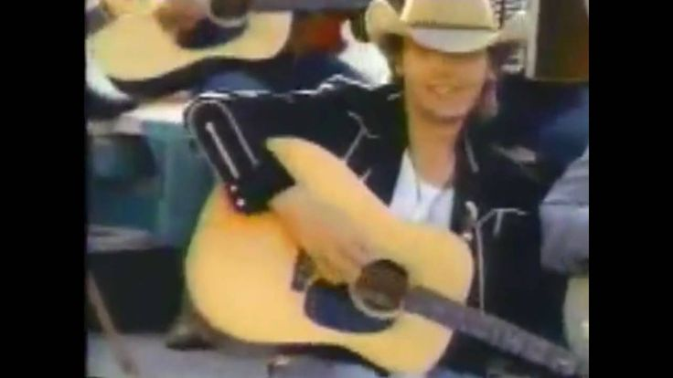 Still one of my all time favorite of Dwight's -- love the mariachi blend!  Dwight Yoakam and Buck Owens Streets of Bakersfield