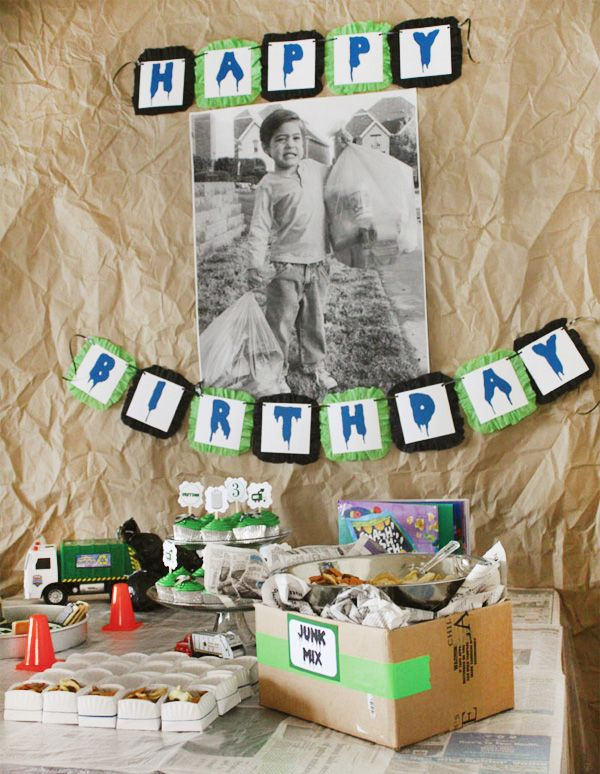 """Trash Bash"" - cute party idea!: Garbage Trucks, Boys Birthday Parties, Cute Boys, Trash Trucks, Parties Ideas, Trucks Parties, Desserts Tables, Trash Bash, Boy Birthday Parties"
