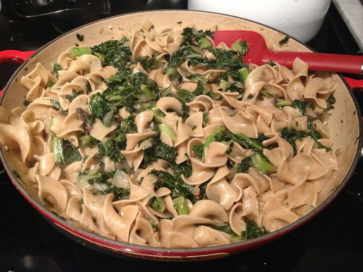 Mushroom and Kale Stroganoff -- healthier recipe made with whole wheat ...