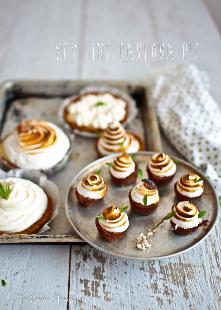 Key Lime Pavlova Pie
