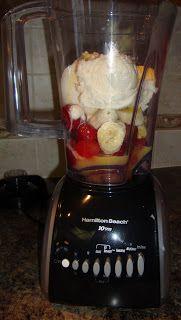 Strawberry Banana Frozen Yogurt Smoothies!