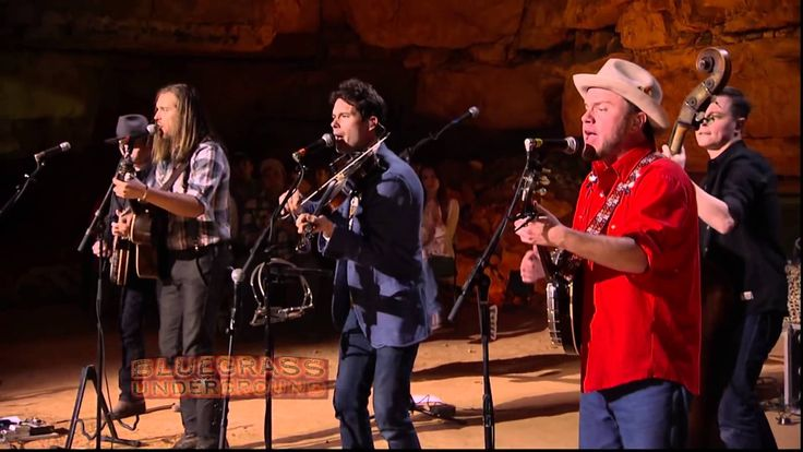Old Crow Medicine Show's  Carry Me Back  on BLUEGRASS UNDERGROUND PBS-Saw them with Brandi Carlile in Interlochen July 2016