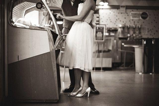 Lekker swingen op je bruiloft: met een retro jukebox | ThePerfectWedding.nl