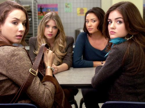 Spencer Hastings,Aria Montgomery,Emily Fields,and Hanna Marin Pretty Little Liars Season 1 Episode 13 Know Your Frenemies