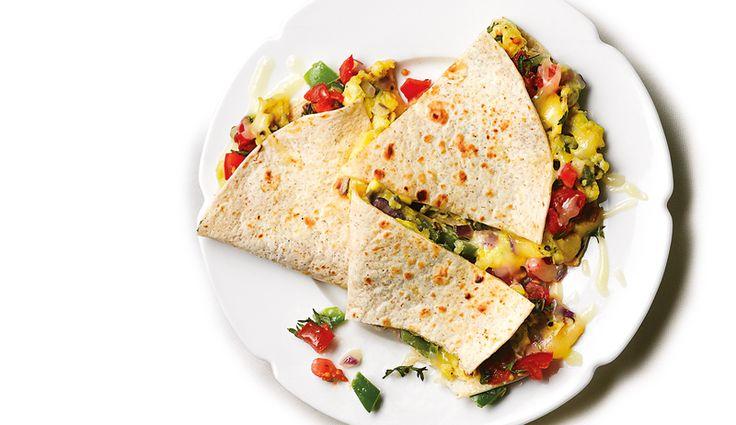 Gemüse-Quesadilla mit Rührei