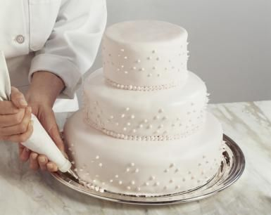 Questions to Ask Your Wedding Cake Baker or Pastry Chef